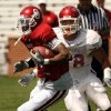 Photo - OU, SPRING FOOTBALL, SCRIMMAGE: Quentin Chaney runs after a catch defended by Travis Lewis as the University of Oklahoma college football team scrimmages at Gaylord Family -- Oklahoma Memorial Stadium in Norman, Okla., Saturday, April 5, 2008   BY STEVE SISNEY ORG XMIT: kod