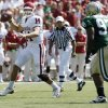 Quarterback Sam Bradford throws in the first half during the college football game between University of Oklahoma (OU) and Baylor University at Floyd Casey Stadium in Waco, Texas, Saturday, October 4, 2008. BY STEVE SISNEY, THE OKLAHOMAN ORG XMIT: KOD