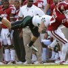Oklahoma\'s Trey Metoyer (17) makes a catch in front of Baylor\'s Sam Holl (25) during the college football game between the University of Oklahoma Sooners (OU) and Baylor University Bears (BU) at Gaylord Family - Oklahoma Memorial Stadium on Saturday, Nov. 10, 2012, in Norman, Okla. Photo by Chris Landsberger, The Oklahoman