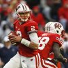 Wisconsin quarterback Joel Stave looks to pass against Illinois during the second half of Wisconsin\'s 31-14 win in an NCAA college football game on Saturday, Oct. 6, 2012, in Madison, Wis. (AP Photo/Andy Manis)
