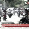 In this image made from Indonesian television TV One, people on motorcycles and cars flee after a strong earthquake hit in Aceh in Indonesia, Wednesday, April 11, 2012. A tsunami watch was issued for countries across the Indian Ocean after a large earthquake hit waters off Indonesia on Wednesday, triggering widespread panic as residents along coastlines fled to high ground in cars and on the backs of motorcycles. (AP Photo/TV One via AP Video) INDONESIA OUT
