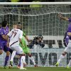 Photo - Fiorentina's Gonzalo Rodriguez of Argentina, right, scores during a Serie A soccer match at the Artemio Franchi stadium in Florence, Italy Sunday  Jan. 5, 2014. (AP Photo/Fabrizio Giovannozzi)