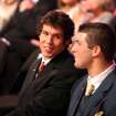 QUARTERBACK / OU / COLLEGE FOOTBALL / HEISMAN TROPHY WINNER / WIN: University of Oklahoma football player Sam Bradford, left chats with Florida's Tim Tebow during Heisman Trophy presentation ceremony Saturday, Dec. 13, 1008 in New York. Bradford won the award. Tebow, a finalist in 2008, won the award in 2007.  (AP Photo/Kelly Kline, Pool) ** POOL PHOTO ** ORG XMIT: NY205