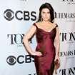 Idina Menzel arrives at the 68th annual Tony Awards at Radio City Music Hall on Sunday, June 8, 2014, in New York. (Photo by Charles Sykes/Invision/AP)