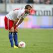 Hamburg's Rafael van der Vaart of the Netherlands prepares for a free kick during the German first division Bundesliga soccer match between Eintracht Frankfurt and Hamburger SV in Frankfurt, Germany, Sunday, Sept. 16, 2012. (AP Photo/MichaelProbst) - NO MOBILE USE UNTIL 2 HOURS AFTER THE MATCH, WEBSITE USERS ARE OBLIGED TO COMPLY WITH DFL-RESTRICTIONS, SEE INSTRUCTIONS FOR DETAILS -