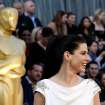 Sandra Bullock arrives before the 84th Academy Awards on Sunday, Feb. 26, 2012, in the Hollywood section of Los Angeles. (AP Photo/Matt Sayles) ORG XMIT: OSC306