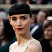 Rooney Mara arrives before the 84th Academy Awards on Sunday, Feb. 26, 2012, in the Hollywood section of Los Angeles. (AP Photo/Matt Sayles) ORG XMIT: OSC171
