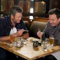 Video: Blake Shelton tries sushi for the first...