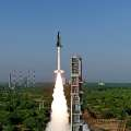 India successfully tests small space shuttle