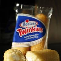 Photo -   FILE - This Tuesday, Jan. 10, 2012, file photo, shows, Hostess Twinkies in a studio in New York. Hostess Brands Inc. announced Thursday, Nov. 15, 2012, that it is warning striking employees that it will move to liquidate the company if plant operations don't return to normal levels by Thursday evening. The maker of Twinkies, Ding Dongs and Wonder Bread said Thursday it will file a motion in U.S. Bankruptcy Court to shutter operations if enough workers don't return by 5 p.m. EST. That would result in the loss of about 18,000 jobs.( AP Photo/Mark Lennihan)