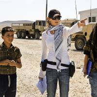 Photo - MOVIE: Director KATHRYN BIGELOW on the set of THE HURT LOCKER. ORG XMIT: 0907271607332866