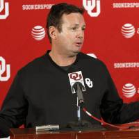 Photo - OU / COLLEGE FOOTBALL: University of Oklahoma head coach Bob Stoops talks about the upcoming Insight Bowl during a press conference in Norman, Monday December,19,  2011. Photo by Steve Gooch, The Oklahoman