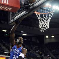 Photo - Oklahoma City Thunders' Jeff Green (22) shoots during the first half of an NBA basketball game against the Sacramento Kings in Sacramento, Calif., Sunday, Feb. 1, 2009. (AP Photo/Thearon W. Henderson) ORG XMIT: SCA102