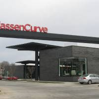 Photo - Classen Curve, designed by architect Rand Elliott and developed by Chesapeake Energy, has no storefronts facing nearby streets and features upscale retailers.  Steve Lackmeyer