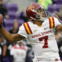 Photo -   Iowa State quarterback Jared Barnett (7) passes during the first half of an NCAA college football game against TCU, Saturday, Oct. 6, 2012, in Fort Worth, Texas. (AP Photo/LM Otero)