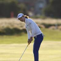 Photo -   So Yeon Ryu of South Korea putts on 18 during her first round at the Women's British Open golf championships at Royal Liverpool Golf Club, Hoylake, England, Thursday Sept. 13, 2012. (AP Photo/Jon Super)