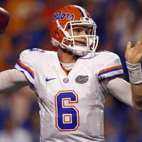 Photo -   Florida quarterback Jeff Driskel (6) throws to receiver in the fourth quarter of an NCAA college football game against Tennessee on Saturday, Sept. 15, 2012, in Knoxville, Tenn. Florida won 37-20. (AP Photo/Wade Payne)