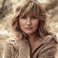 """Photo -  Jennifer Nettles is touring in support of her solo album """"That Girl."""" Photo by James Minchin."""