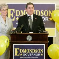 Photo - GUBERNATORIAL / CANDIDATE / CANDIDACY / ANNOUNCE / ANNOUNCEMENT: Attorney General Drew Edmondson announced he is running for governor in 2010 with his wife Linda at his side in the Blue Room at the state Capitol in Oklahoma City, June 10, 2009.The Edmondsons were celebrating their 42nd anniversary today.  Photo by Steve Gooch, The Oklahoman ORG XMIT: KOD