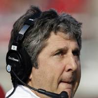 Photo -   FILE - This Nov. 3, 2012 file photo shows Washington State head coach Mike Leach watching the second quarter of an NCAA college football game against Utah, in Salt Lake City. A star receiver's allegations that he has been physically and emotionally abused by coaches have roiled Washington State, and the school president has called for an investigation of Marquess Wilson's complaints against new coach Mike Leach and his staff. (AP Photo/Rick Bowmer, File)