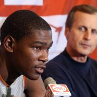Photo - Texas basketball coach Rick Barnes, left, sang the praises of Kevin Durant, his former player, on Thursday. AP ARCHIVE PHOTO  Jack Plunkett