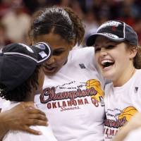 Photo - Whitney Hand, right, was a key for Oklahoma's Final Four team last season, but early this she was felled by injury. PHOTO BY STEVE SISNEY, THE OKLAHOMAN ARCHIVE