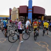 Photo -  Riders line up Saturday to ride in the Norman Conquest bike ride that benefits the J.D. McCarty Center. PHOTO BY STEVE SISNEY, THE OKLAHOMAN   STEVE SISNEY