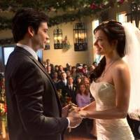 """Photo -  """"Finale"""" -- Tom Welling as Clark Kent and Erica Durance as Lois Lane in SMALLVILLE on The CW. Photo: Jack Rowand/The CW ©2011 The CW Network, LLC. All Rights Reserved."""