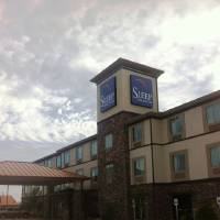 Photo - A 50-room Sleep Inn & Suites in Hennessey, 20 miles south of Enid, had its grand opening on Friday. General manager Larry G. Lovely II says it's the biggest building in the town of 2,156.  Richard Mize - The Oklahoman