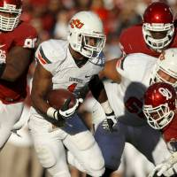 Photo - BEDLAM FOOTBALL: Joseph Randle (1) runs during the Bedlam college football game between the University of Oklahoma Sooners (OU) and the Oklahoma State University Cowboys (OSU) at Gaylord Family-Oklahoma Memorial Stadium in Norman, Okla., Saturday, Nov. 24, 2012. Photo by Bryan Terry, The Oklahoman