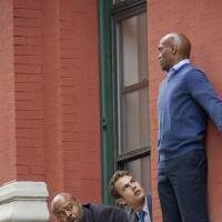 Photo - Walter Clark Jr. (Theo James, center) is partnered with and mentored by experienced veteran Detective Don Owen (Chi McBride, left) in the new CBS drama GOLDEN BOY. GOLDEN BOY, premieres Tuesday, February 26 (10:00 – 11:00 PM, ET/PT), with a special sneak peak episode, on the CBS Television Network. This photo is provided for use in conjunction with the TCA WINTER PRESS TOUR 2012. Photo: John P. Filo/CBS  ©2012 CBS Broadcasting Inc. All Rights Reserved.