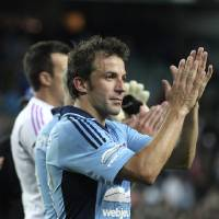 Photo -   Sydney FC's Alessandro Del Piero thanks for fans after an A-league soccer match against Newcastle Jets in Sydney, Australia, Saturday, Oct. 13, 2012. (AP Photo/Rob Griffith)