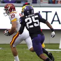 Photo -   Iowa State wide receiver Josh Lenz (19) beats TCU cornerback Kevin White (25) on a 51-yard touchdown reception during the first half of an NCAA college football game on Saturday, Oct. 6, 2012, in Fort Worth, Texas. (AP Photo/LM Otero)