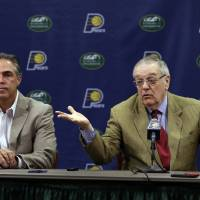 Photo - Indiana Pacers President of Basketball Operations Donnie Walsh, right, and General Manager Kevin Pritchard discuss the NBA basketball teams' season and upcoming draft during a press conference in Indianapolis, Thursday, June 13, 2013.  (AP Photo/Michael Conroy)