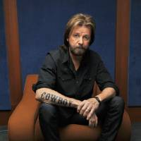 Photo - In this May 16, 2011 photo, country singer Ronnie Dunn is shown in Nashville, Tenn.  AP Photo