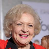 Photo - Betty White  Chris Pizzello