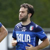 Photo - Italy striker Giuseppe Rossi jogs during in a team training session at Coverciano training grounds, in Florence, Monday, May 26, 2014. In Brazil, Italy is in Group D with England, Uruguay and Costa Rica. (AP Photo/Fabrizio Giovannozzi)
