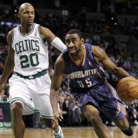Photo -  The Thunder is expected to add 27-year-old guard Reggie Williams on a 10-day contract. (AP Photo/Elise Amendola)