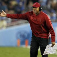 Photo -   Stanford head coach David Shaw, from the sidelines, talks to an official during the second quarter of an NCAA college football game against UCLA, Saturday, Nov. 24, 2012, in Pasadena, Calif. (AP Photo/Alex Gallardo)