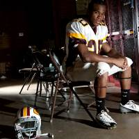 Photo - HIGH SCHOOL FOOTBALL: Delans Griffin, a senior at Clinton High School, poses at the school on Tuesday, August 18, 2009. By John Clanton, The Oklahoman ORG XMIT: KOD