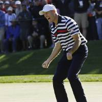 Photo - USA's Jim Furyk reacts after missing a putt on the 16th hole during a singles match at the Ryder Cup PGA golf tournament Sunday, Sept. 30, 2012, at the Medinah Country Club in Medinah, Ill. (AP Photo/David J. Phillip)  ORG XMIT: PGA175