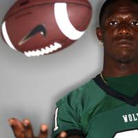 Photo - HIGH SCHOOL FOOTBALL: Edmond Santa Fe's Michael Onuoha poses for a portrait, Wednesday, August 17, 2011. Photo by Bryan Terry, The Oklahoman      ORG XMIT: KOD