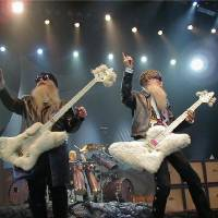Photo - MUSCIANS/BAND:  ZZ Top, from left, Dusty Hill, Frank Beard and Billy Gibbons.  Photo Credit: Bill Narum ORG XMIT: 0708021600209093