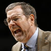 Photo - Thunder head coach P.J. Carlesimo yells at an official during the NBA basketball game between the Oklahoma City Thunder and the Houston Rockets at the Ford Center in Oklahoma City, Monday, Nov. 17, 2008. BY NATE BILLINGS, THE OKLAHOMAN ORG XMIT: KOD