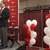 Photo - OU / INTRODUCE / INTRODUCTION: University of Oklahoma athletic director Joe Castiglione, left, looks on as new men's college basketball coach Lon Kruger is introduced as the new University of Oklahoma men's basketball coach on Monday, April 4, 2011, in Norman, Okla. Photo by Chris Landsberger, The Oklahoman ORG XMIT: KOD