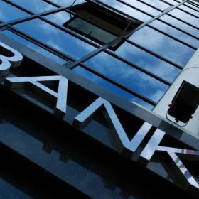 Publicly-traded banks surge to chart\'s top third