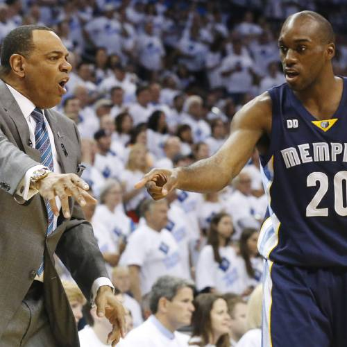Memphis Grizzlies coach Lionel Hollins and forward Quincy Pondexter react during the first half of Game 5 of an NBA basketball playoffs Western Conference semifinal against the Oklahoma City Thunder, in Oklahoma City, Wednesday, May 15, 2013. (AP Photo/Sue Ogrocki)