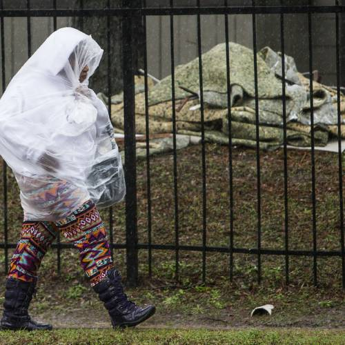 Flooding in Houston prompts school closures, causes damage