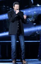 """Blake Shelton breaks his own record as """"Neon Light"""" becomes his 13th No. 1 single"""