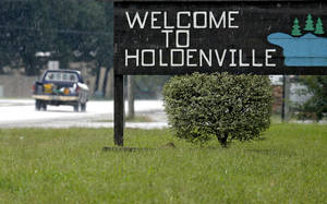 "photo - The ""Welcome to Holdenville"" sign in 2009.  Photo By John Clanton, The Oklahoman Archives"
